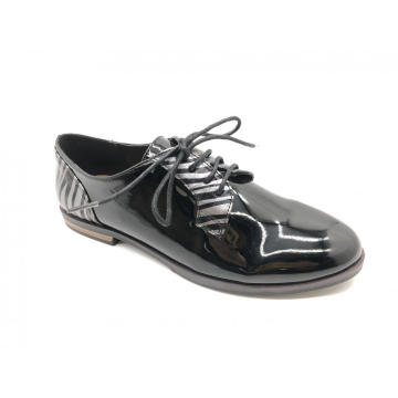 Women's Wingtip Lace Up Two Tone Shoes