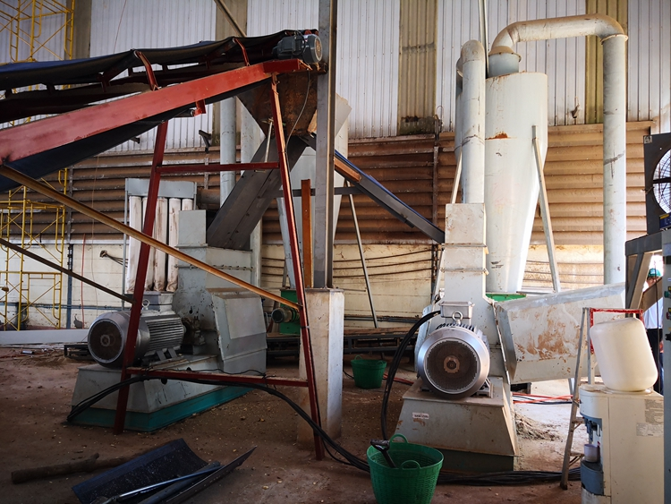 Installation of miscellaneous wood granulator
