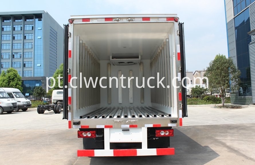 milk cooling transport truck 5