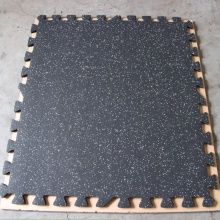 Interlock rubber floor mats