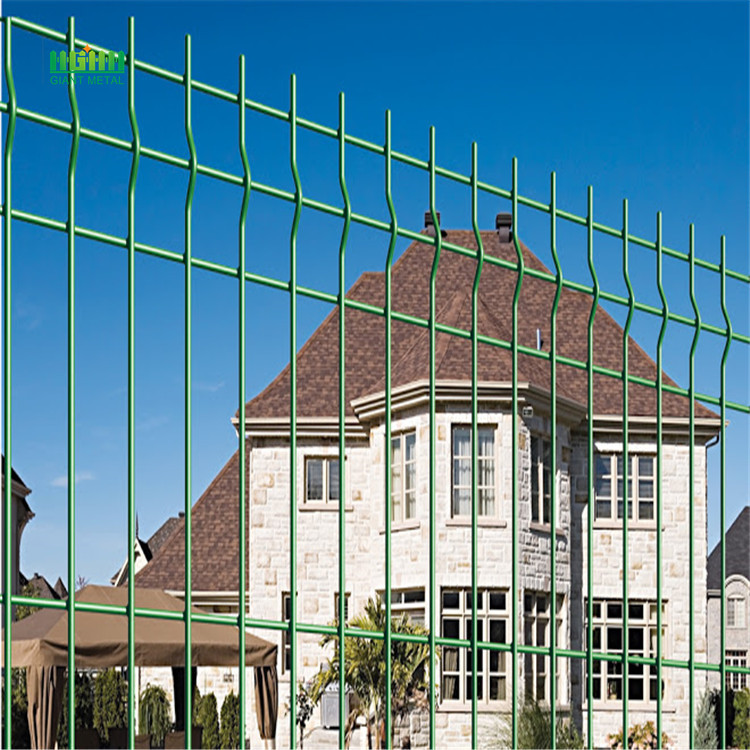Factory Galvanized or PVC coated Wire Mesh Fence