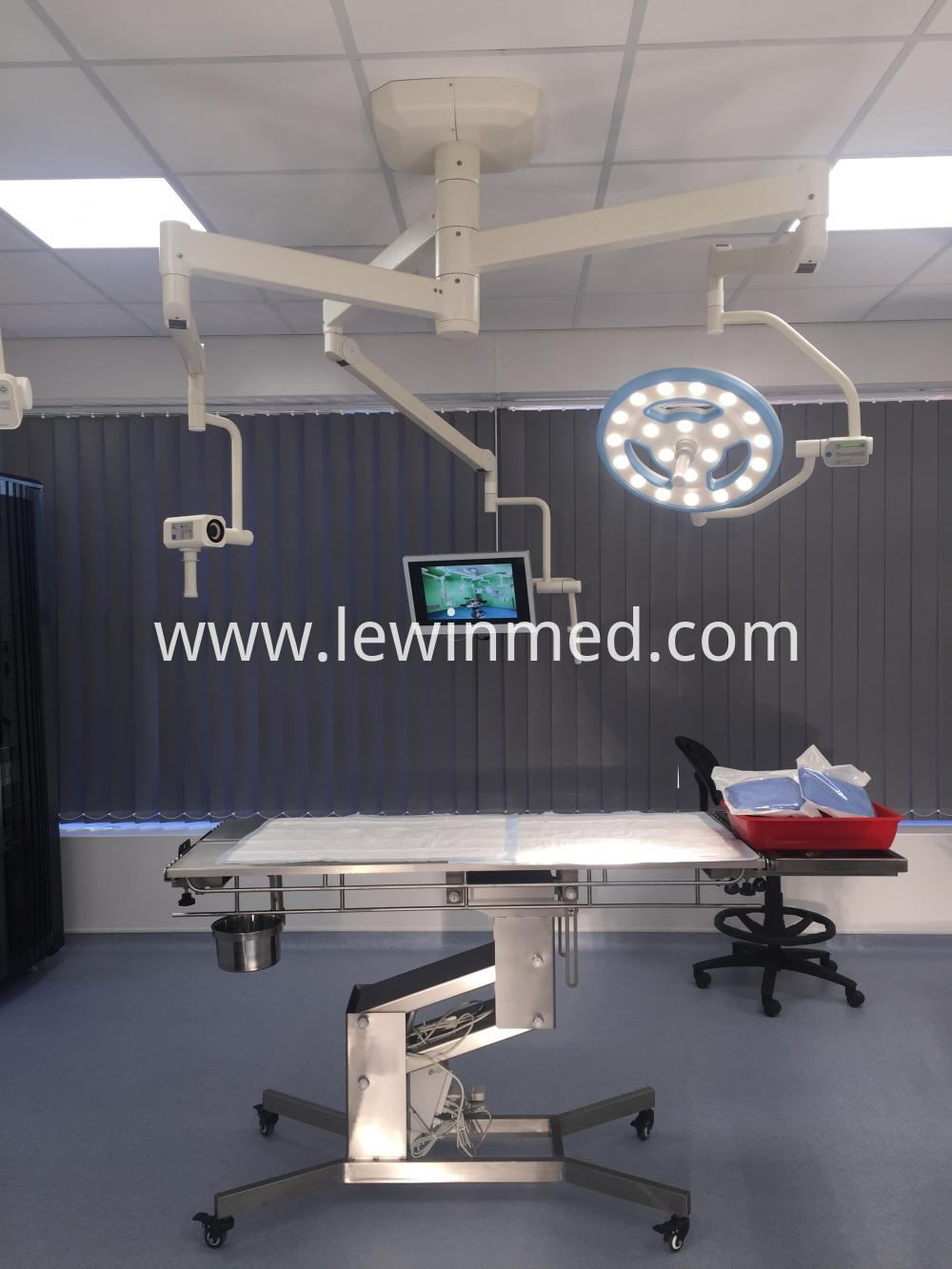 With HD camera surgical lamp