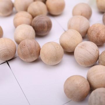 100Pcs Camphor Wood Ball Solid 1.8cm Camphor Wood Natural Camphor Wood Ball Pest Control Natural Cedar Wood Repellent Wardrobe