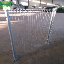 top roll wire mesh garden Fence welded wire fence export mesh fence