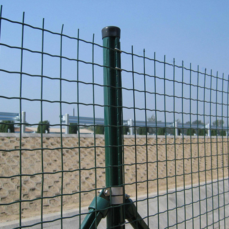 100*100mm Vinyl Euro Wire Mesh Fencing Farm Fence