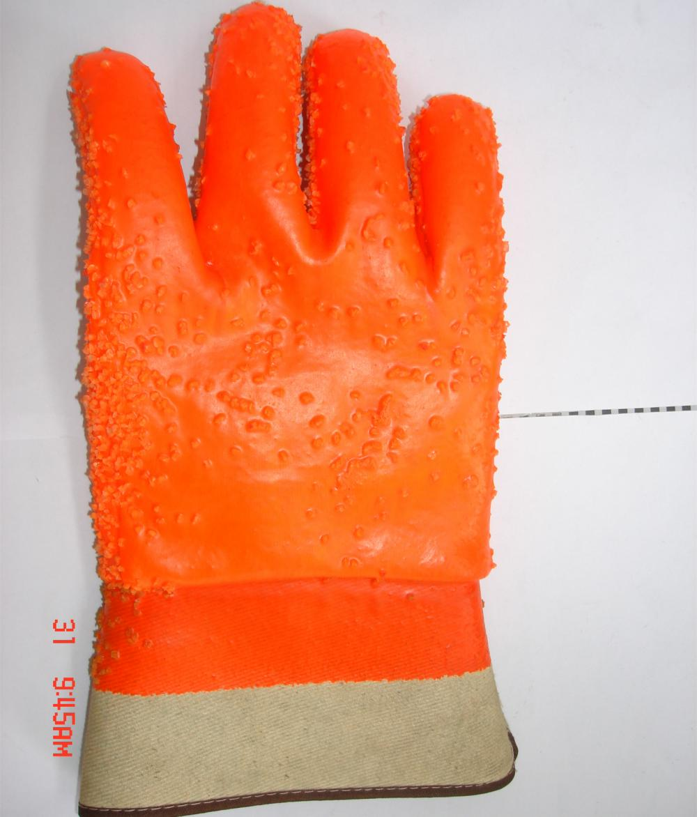 PVC winter gloves with chips safety cuff