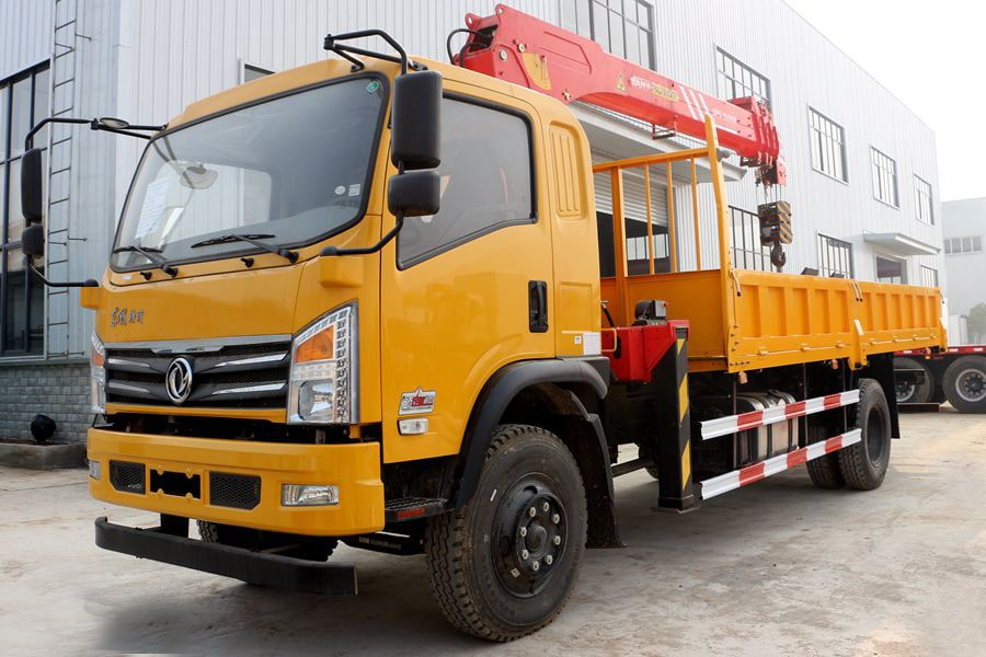 truck cargo with loader crane
