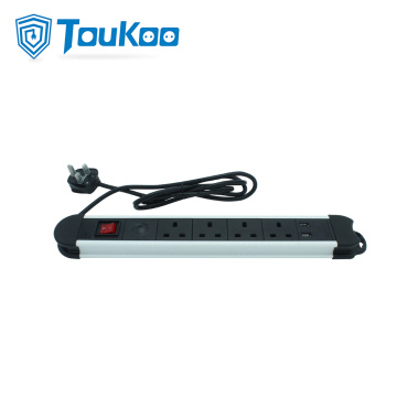 British 4 outlet power strip with USB port