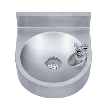 Wall mounted outdoor water fountains