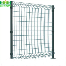 Bending fences with square post
