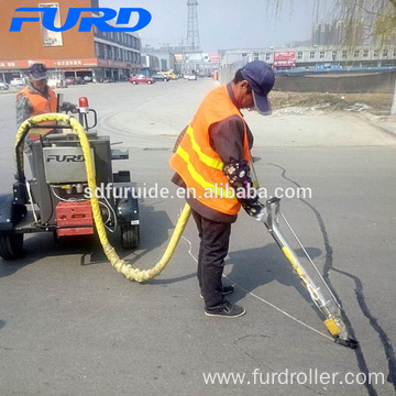 Asphalt Surface Road Crack Filling Machine with HONDA Generator (FGF-100)