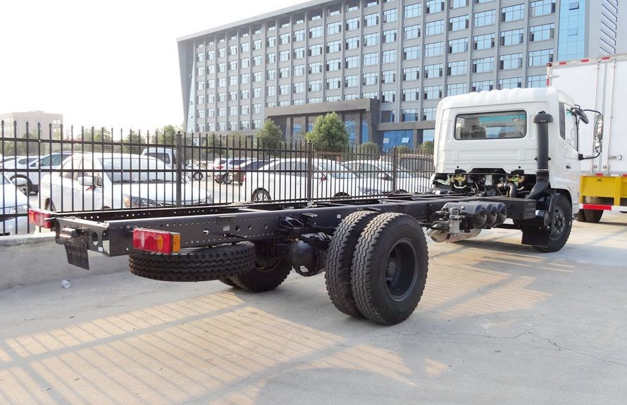 Heavy Duty Towers chassis 2