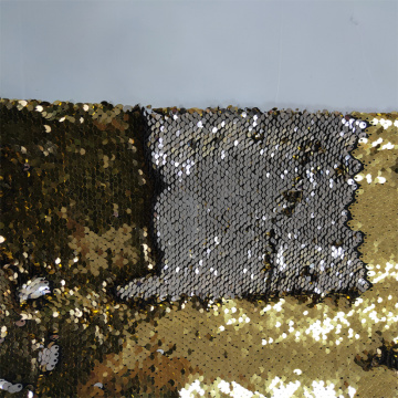 Reversible sequin embroidery fabric in two-tones color