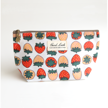 Portable Waterproof Cosmetic Bags With Customized Printing