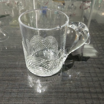 tumbler glass for juice with fish shape handle
