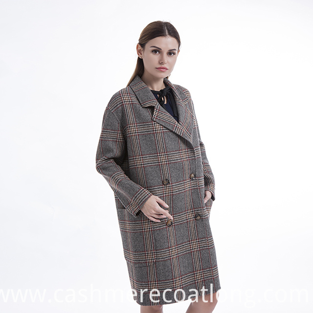 Cashmere Coat with a Fur Collar