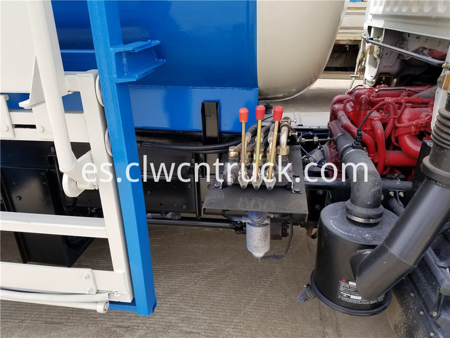 food waste truck manufacturer