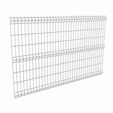 Bending curved welded wire mesh fence
