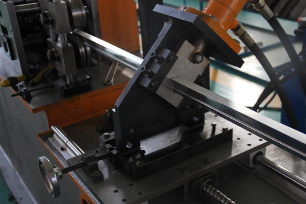 Tee Bar Making Machine
