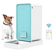 Smartphone Wireless Pet feeder