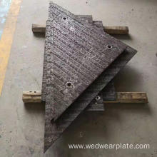 Hardfacing welding screen decks