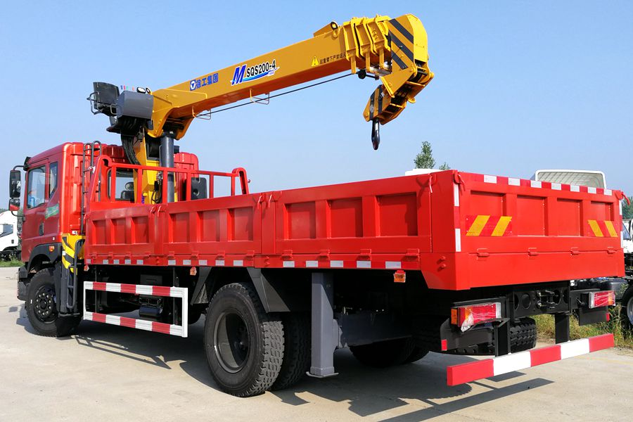 truck mounted boom lift 3