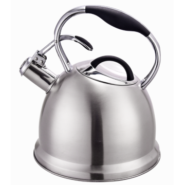 Classic whistling kettle with matt finish