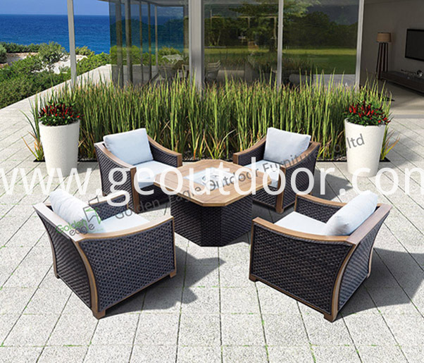 outdoor square patio dining set