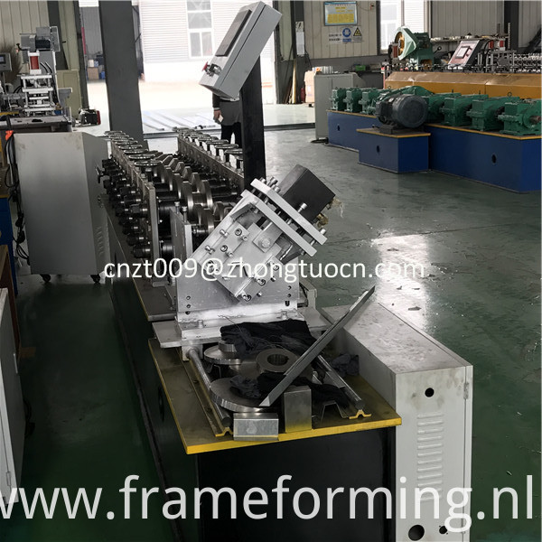 omega profile roll forming machine 3