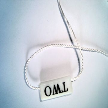 Fashion high clicks apparel tags with string