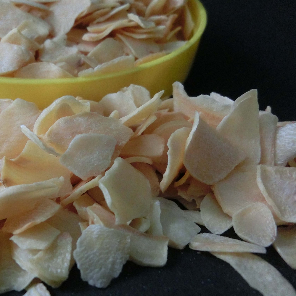 Pure white dehydrated dry garlic flakes