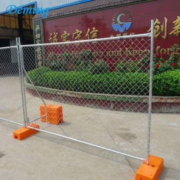 Temporary panel portable construction chain link fence