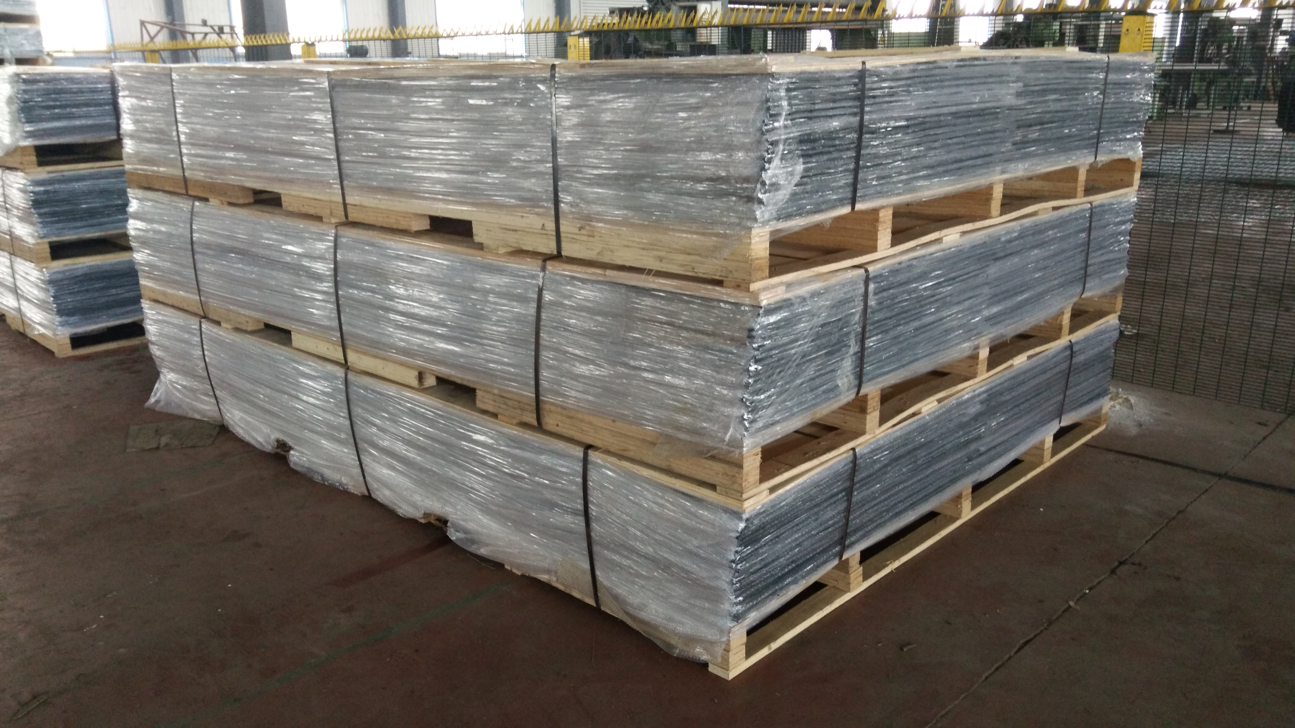 358 wire mesh fence packing 4
