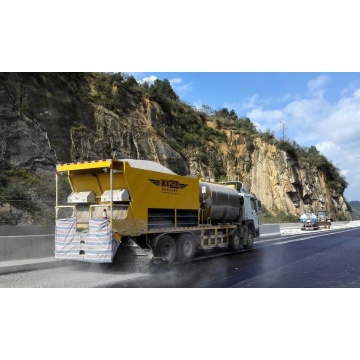 Asphalt Distributor with spreader