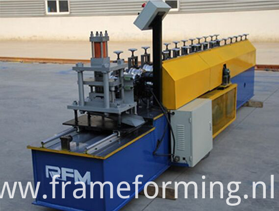 shearing system of rolling shutter door machine