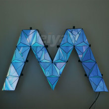 Buon modulo display LED a triangolo creativo