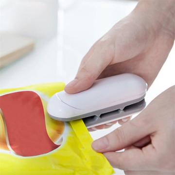 Portable Sealing Tool Heat Mini Handheld Plastic Bag Lmpluse Sealer Potato chip food bag sealing machine keeping the food fresh
