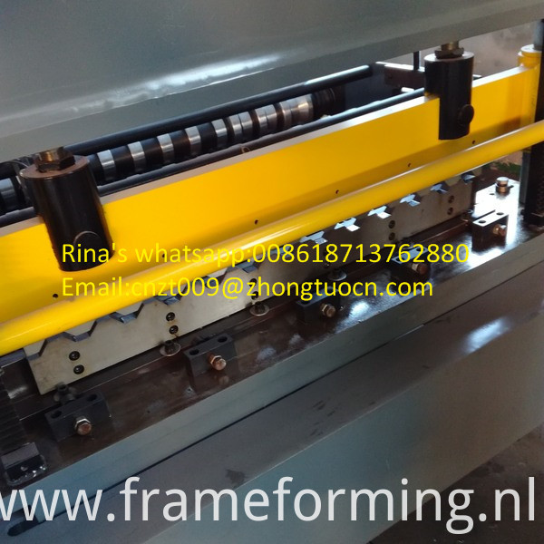high quality roofing sheet roll forming machine 2