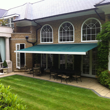 Retractable arms awning sunshine protection