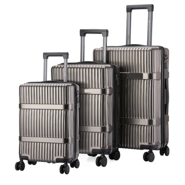 Travelers Choice Family outside different size luggage set