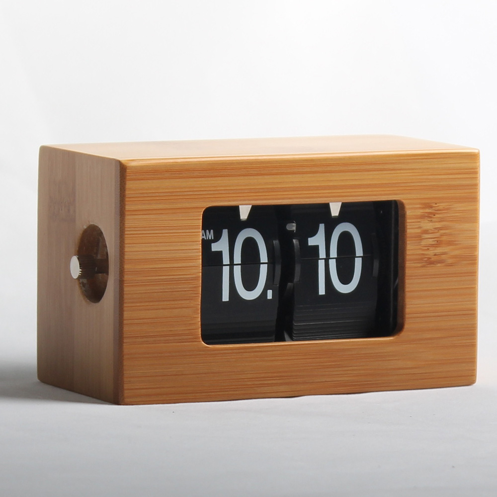 retro square clock
