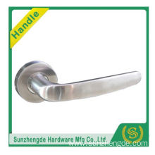 SZD STLH-002 Simple Shape Inox Lever Door Handles Handle On Round Rose Stainless Steel