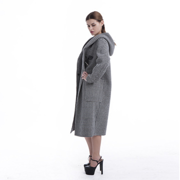 Winter black-and-white checked cashmere overcoat