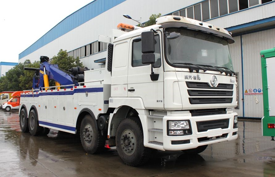 heavy towing service vehicles