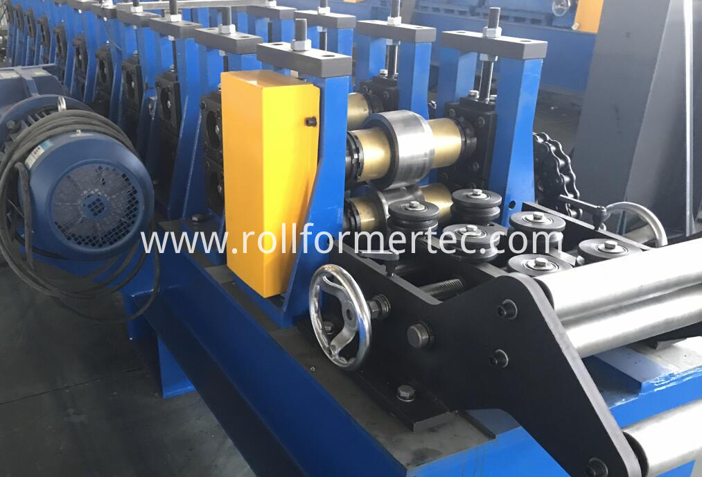 custom made J profile rollforming line (5)