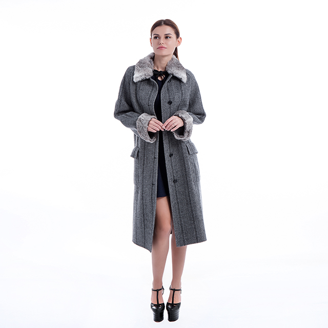 Fashionable cashmere coat