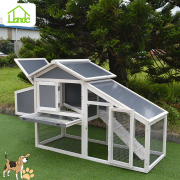 Popular outdoor wooden chicken coop with metal wire