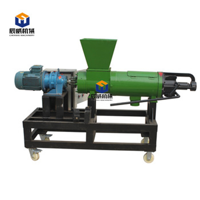 Farm equipment cow manure solid liquid separator