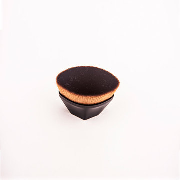 BB cream   foundation makeup brush