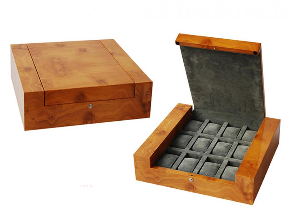 Wb 3045 Wooden Watch Box With Grey Velvet